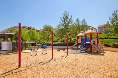 33510-cedar-creek-lake-elsinore-ca-92532-canyon-hills-association-playground