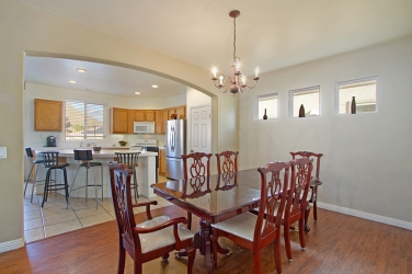 33510-cedar-creek-lake-elsinore-ca-92532-formal-dining-and-kitchen