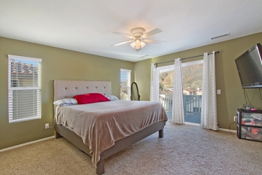 33510-cedar-creek-lake-elsinore-ca-92532-master-bedroom